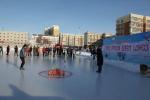 """阿勒泰地区举办""""春节体育大拜年""""拉雪橇接力赛和冰上保龄球比赛 - 体育局"""