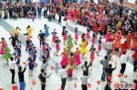 同抒爱国情 共筑中国梦——乌鲁木齐市各族群众欢度国庆节 - 市政府