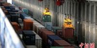 综合施策见成效前4个月新疆铁路货运量增长一成 - 中国新疆网